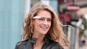 """Det er ventet at Googles """"utvidet virkelighet""""-brille vil komme i salg mot slutten av året."""