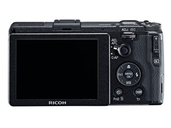 Ricoh GR får høyoppløst skjerm.