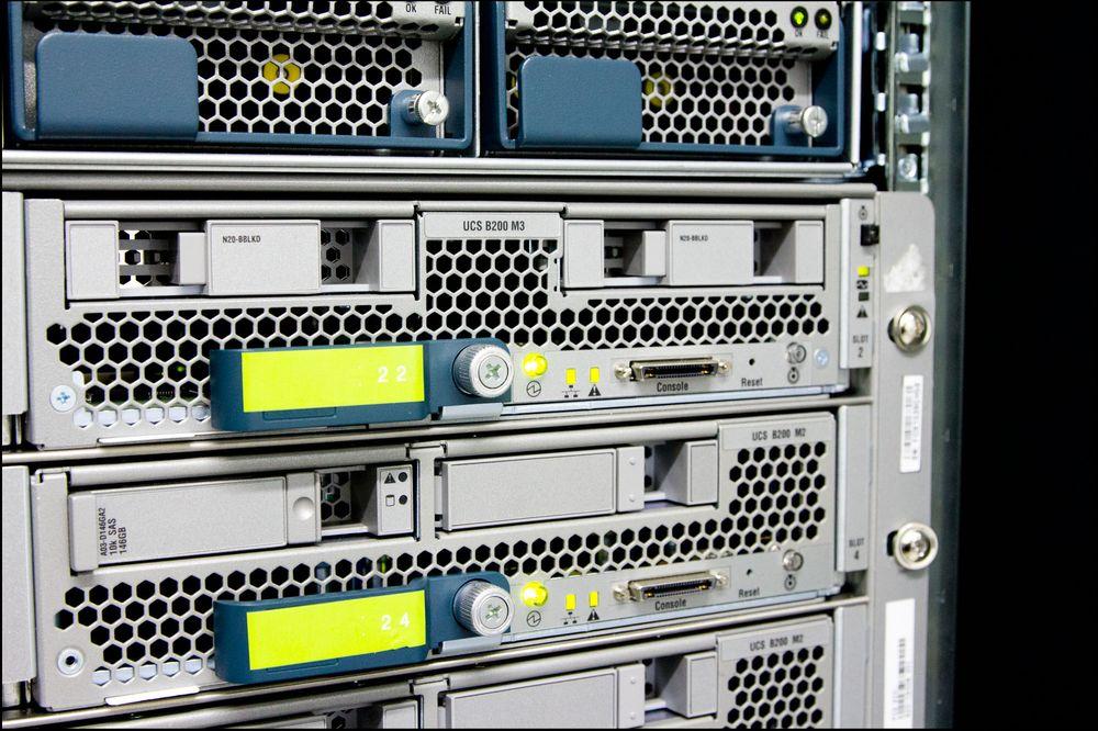Disse maskinene leverer Tek-nettverket til deg