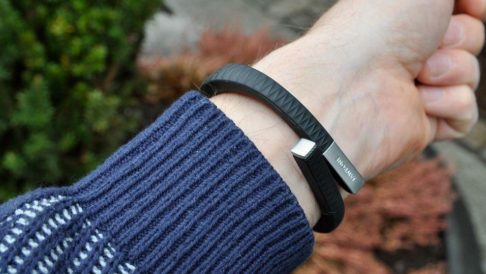 TEST: Dette armbåndet holder deg i aktivitet