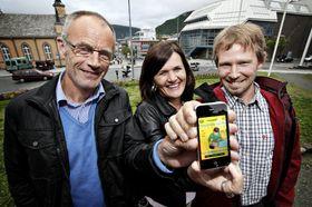 Steinar Pedersen, Mona Hagen og Niklas Anderson lagde en iPhone-applikasjon for førstehjelp ved hjertestans hos voksne. .