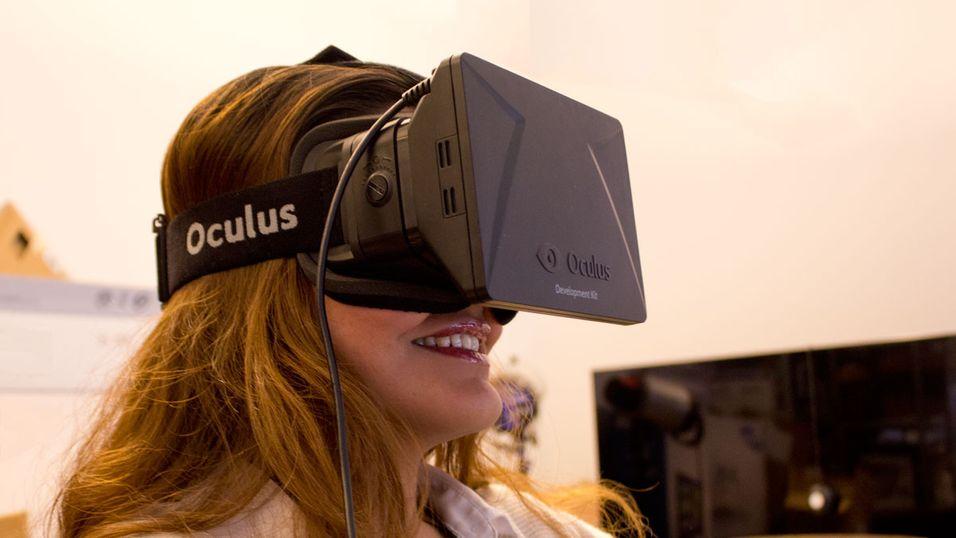 Utviklerversjonen av Oculus Rift vekker begeistring i Hardware.no-redaksjonen. Den ferdige forbrukermodellen vil nok få et oppdatert design, men til tross for et klumpete utseende er det svært behagelig å ha på.