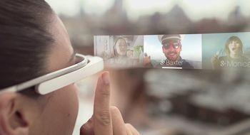 Like farlig å bruke Google Glass som mobilen i bilen
