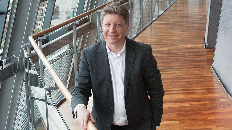 Teknisk direktør Frode Støldal i Telenor Norge ser på LTE TDD som mulig teknologi for å mate små basestasjoner.
