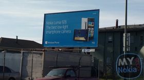 Nokia reklamerer for Lumia 928 på boards i USA.