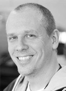 David Rossberg i FotoVideo er opptatt av at kundene ikke skal bli lurt til å betale for mye.