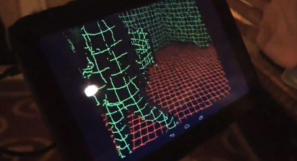 Sensoren kan scanne et helt rom i 3D. Den vet nøyaktig hvor bevegelsene oppstår, og hvor hindringene er.