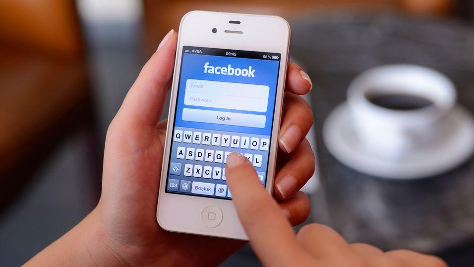 Facebook viktigere enn ringing og teksting
