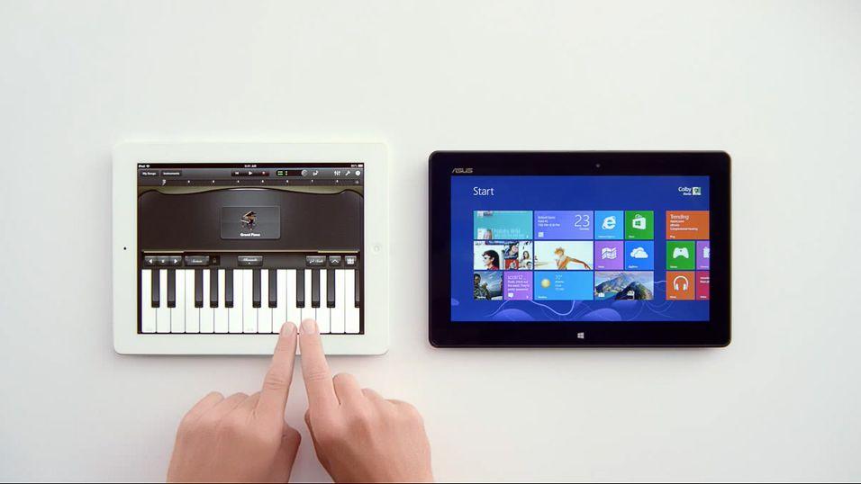 I denne reklamen håner Microsoft Apples tilsynelatende manglende egenskaper i sitt nettbrett.
