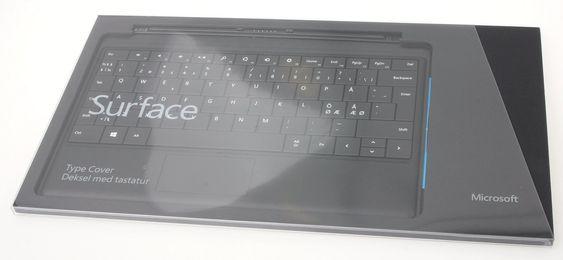 Mange vil nok kjøpe med litt ekstrautstyr til en Surface, og der står de to tastaturene sentralt. De har dobbeltrolle som både tastatur og skjermbeskyttelse under transport, og vil typisk koste mellom 900 og 1000 kroner.