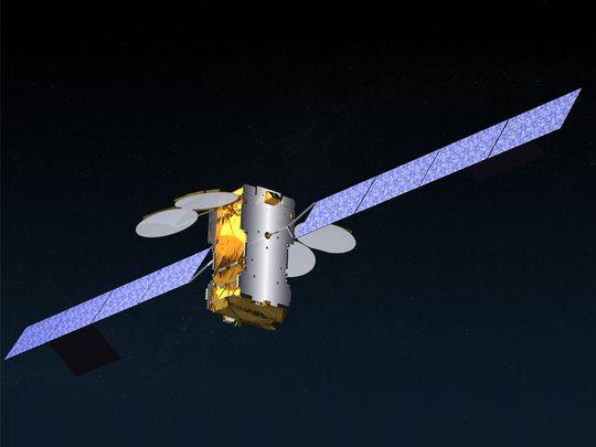 Ka-Sat går i bane ca. 30 000 km over jordoverflaten og veier ca. 75 kilo.