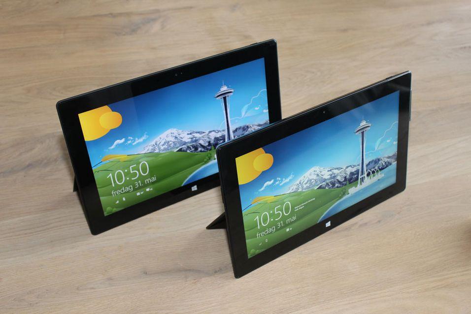 Microsoft gir bort 10000 Surface-nettbrett