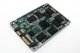 OCZ Vertex 450 har en Indilinx-kontroller og Micron-minne.