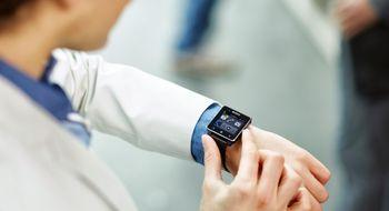 Sony med vanntett NFC-smartklokke