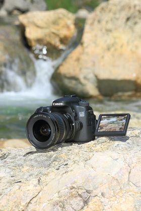 Canon EOS 70D med skjermen ute.