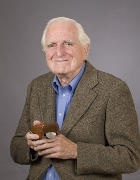 douglas_engelbart_and_mouse.