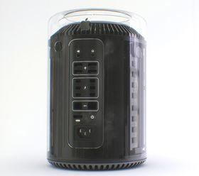 Mac Pro med glass-kabinett.