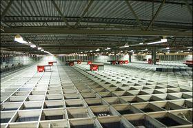 Utenfor Sandefjord ligger Kompletts hovedkontor, med et massivt, robot-basert lager.