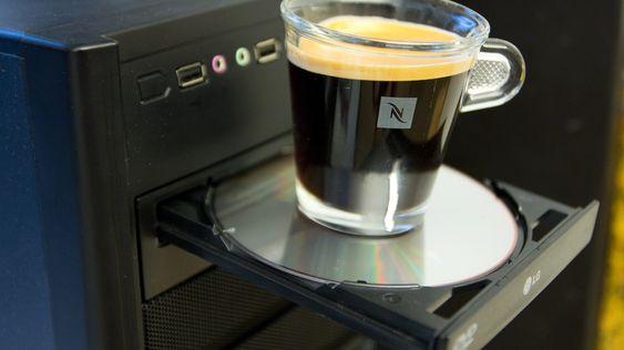 Kaffekoppholder er ikke nødvendigvis standard på nyere PC-er.