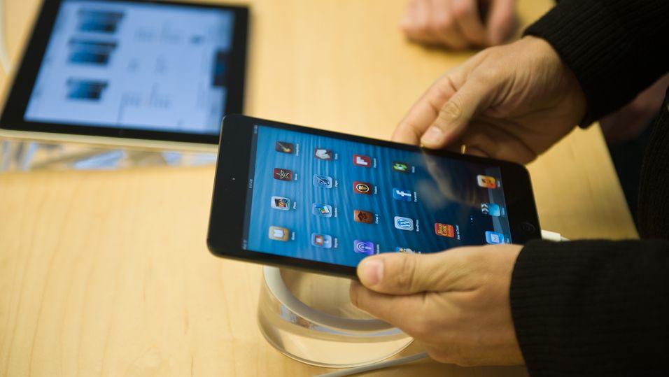 Apples nettbrettandel nesten halvert