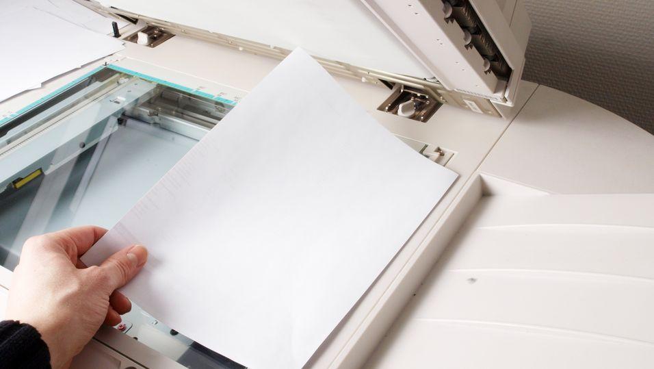 Forvirret skriver endrer dokumenter du skanner