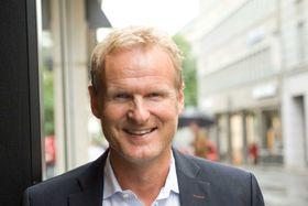 Tidligere Tele2-sjef Haakon Dyrnes gjør seg bemerket som ny Komplett-sjef. Nå senkes prisene.