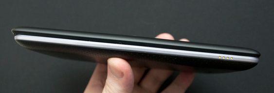 Ny og gammel Nexus 7 - den nye er øverst.