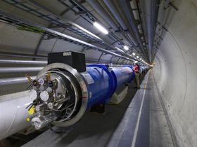 Du kan nå gå gjennom den 27 kilometer lange LHC-tunnelen.