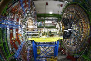 Verdens største partikkelakslelerator «Large Hadron Collider» har et nytt og historisk funn.