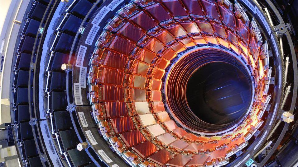 CMS-eksperimentet er en del av LHC, i tillegg til å være en imponerende skue.