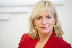 Christine Korme er kommunikasjonsdirektør i Microsoft Norge. Hun råder deg til å legge på hvis noen ringer fra «Microsoft».