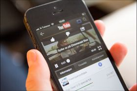 YouTube med filmen sendt til TV-en.