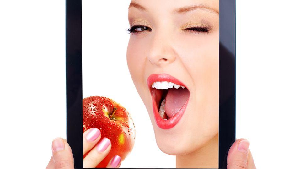 Vi tar stadig oftere mobiltelefonen til hjelp når vi vil ned i vekt, viser en britisk undersøkelse.