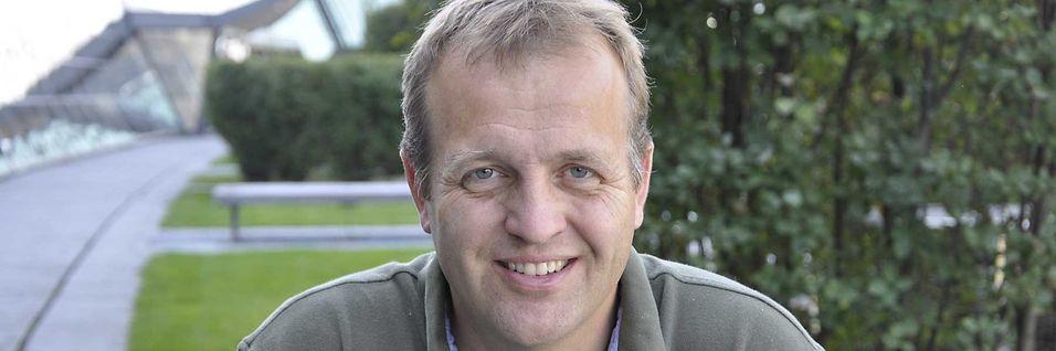 Lederen for moderniseringsprosjektet i Telenor, Arne Q. Christensen, mener bredbåndsstøtten på 160 millioner i 2014 kunne nådd flere husstander dersom flere av anbudene var formulert mer teknologinøytrale.