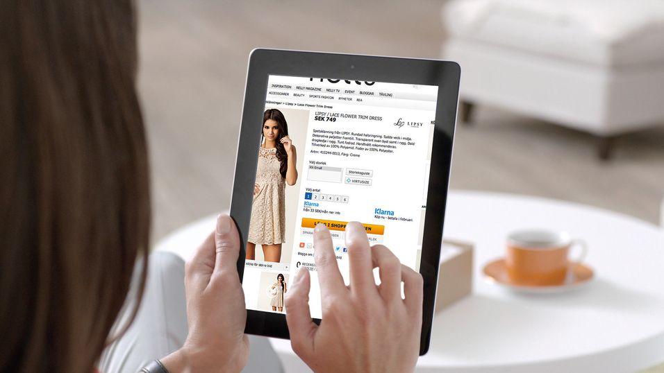 Stadig flere besøker nettbutikkere fra mobile plattformer, men flere gjennomfører kjøpet fra nettbrett enn fra mobil, ifølge Klarna.