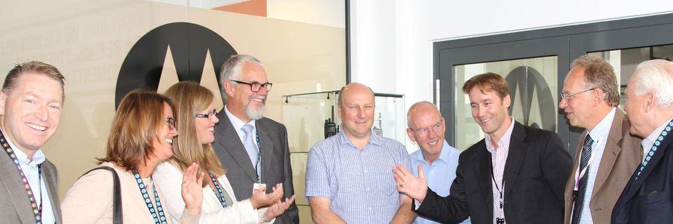 Folk fra teamet som gjennomførte flyttingen av nødnettet til nytt kjernenett møter ledelsen i Direktoratet for nødkommunikasjon.