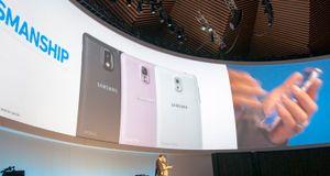 Samsung har lansert Galaxy Note 3 og sin første smartklokke