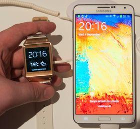 Det perfekte par? Galaxy Gear blir lansert sammen med Galaxy Note 3, men også Galaxy Note II og Galaxy S4 vil få oppdateringer som støtter klokken.