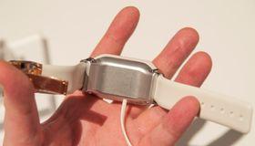 """Samsung hadde kledt på klokken en """"tvangstrøye"""", så akkurat hvor god den er å ha på vet vi ikke før vi får testet den skikkelig."""