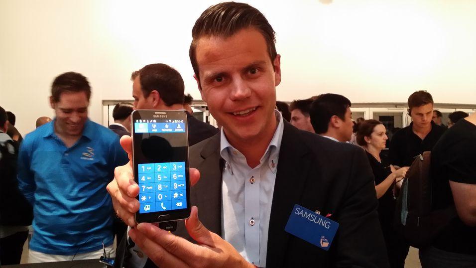 Tor Slørdal i Samsung gir her en videogjennomgang av de nye funksjonene i Galaxy Note 3.