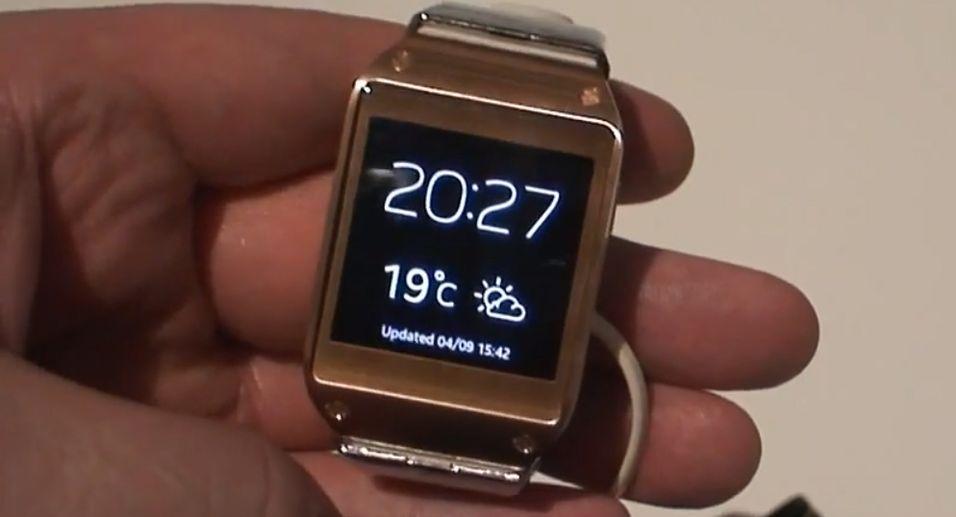 Er dette produktet som skal gjøre smartklokker moteriktig? Se videoen under, og døm selv.