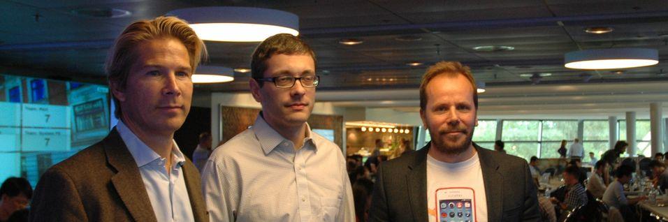 Telenor Digital-sjef Rolv-Erik Spilling sammen med Mozillas leder for utvikling av Firefox OS, Andreas Gal og Telenors Firefox-prosjektleder Frode Vestnes.
