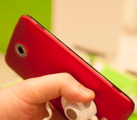Acer Liquid S2 har stereohøyttalere langs siden av telefonen.