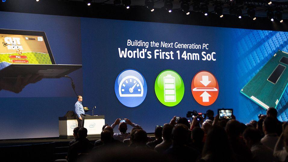 Intels nye toppsjef viser frem den neste prosessorgenerasjonen Broadwell.
