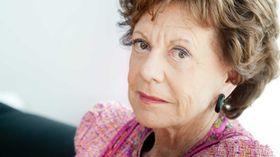 EU-kommisær Neelie Kroes mener det er en fordel at mobilkundene bruker Wi-Fi.