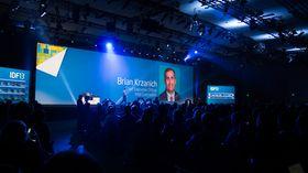 Litt sirkus må det være når Intels topsjef går på scenen.