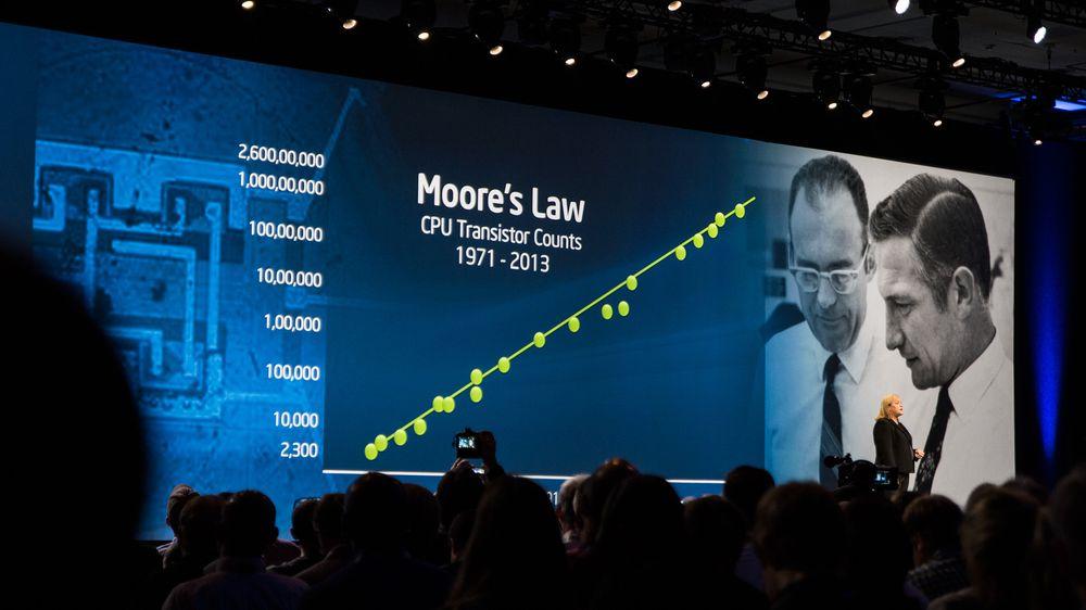 Renee James vil ikke gå med på at Moores lov vil nå sin best-før-dato med det første.