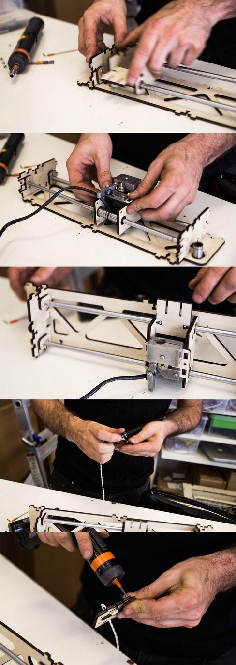 Hos Type A Machines blir skriverne presist montert for hånd.