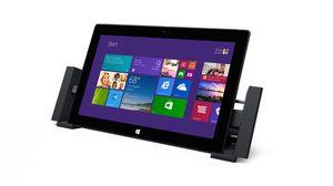 Den nye Microsoft Surface Pro 2 får også dockingstasjon du kan koble til PC-skjerm, høyttalere og andre enheter med.
