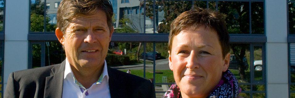 Kjell Kongelf og Cathrine Strøm har vært med Netcom helt fra starten av. Det betyr at de kan feire 20 år sammen med arbeidsgiveren.